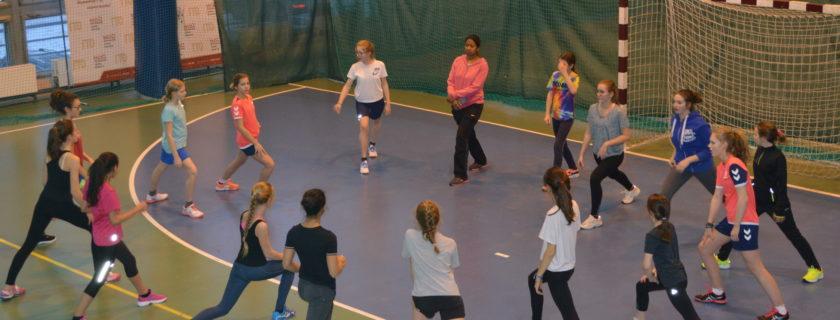 Premiers matchs officiels pour les handballeuses du LFM