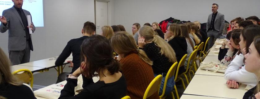 L'accueil à la française … Une journée au LFM pour des lycéens russes
